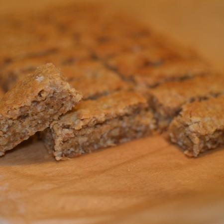 Gooey caramel oatmeal bars
