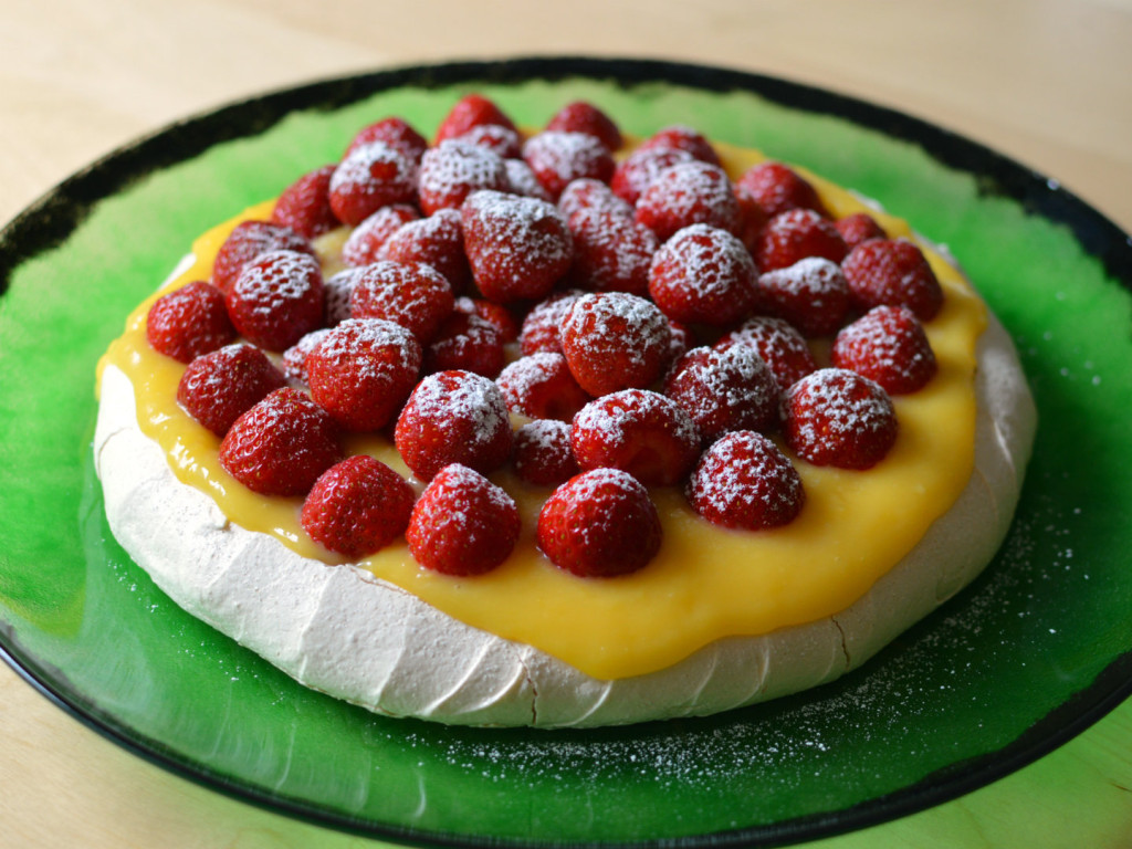midsummer pavlova with lemon curd and strawberries