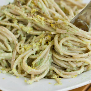 15 minute simple creamy avocado pasta