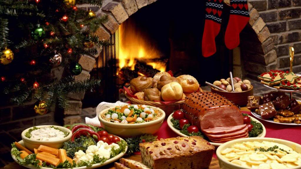 Christmas Meal.Christmas Food Traditions From Around The World