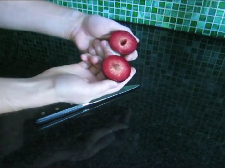 How to pit a plum