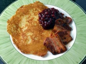 Recipe: Swedish potato pancakes with fried pork (raggmunk med fläsk)