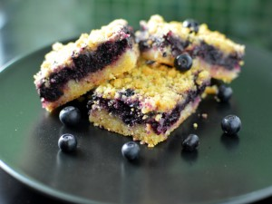 Recipe: Blueberry crumb bars with lemon
