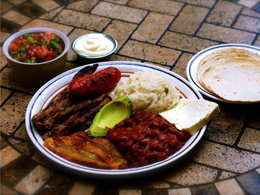 The national dish of Honduras - Plato tipico