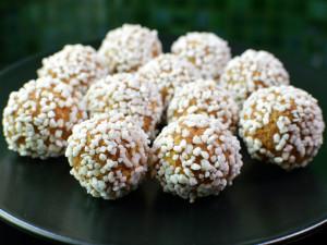 Recipe: Swedish no bake gingerbread balls (pepparkaksbollar)