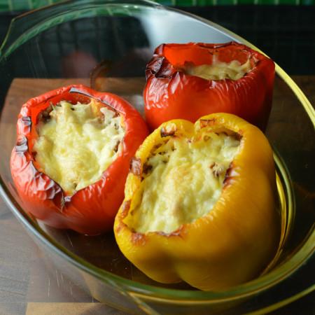 Fyllda paprikor med köttfärs fetaost och ris