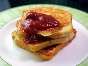 Recipe: Swedish fattiga riddare (in english: french toast, poor knights or eggy bread)