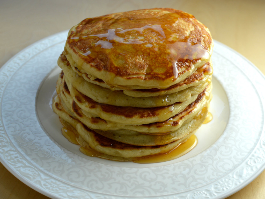 Fluffy american pancakes