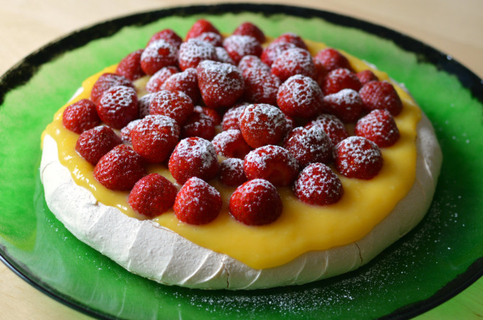 Recipe: Midsummer pavlova with lemon curd and strawberries