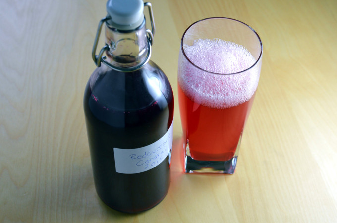 Recipe: Swedish red currant cordial (röd vinbärssaft)