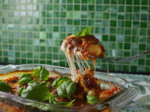 Ugnsbakad gnocchi i tomatsås och mozzarella