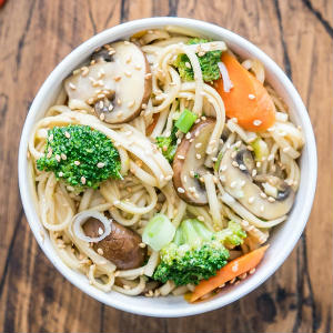 Udon Noodle Bowl with sesame