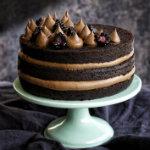 Homemade Stockholm - Chokladtårta med chokladfrosting