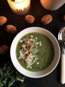 Grönkålssoppa-med-rostade-valnötter-mat såklart
