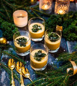 majssoppa med apelsin nejlika och grönkålschips - Landleys kök