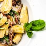 Välj vego - krämig pasta med svampsås