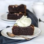 hälsobak - brownie med vit choklad