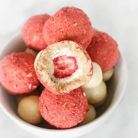 Amelie Almen - jordgubbar och vit chokladbollar