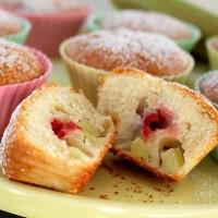 Niinis - Jordgubb och rabarbermuffins