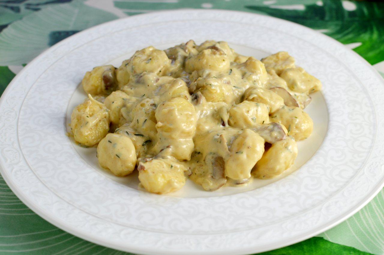 Gnocchi i ädelostsås