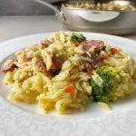 Risoni med korv ost och broccoli