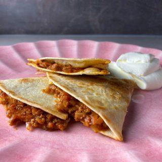 Quesadillas med köttfärssås
