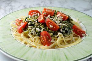 Pasta med grönkålssås