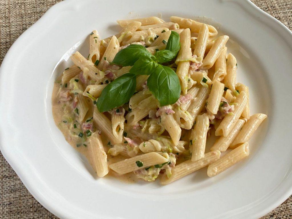 Pasta med zucchinisås